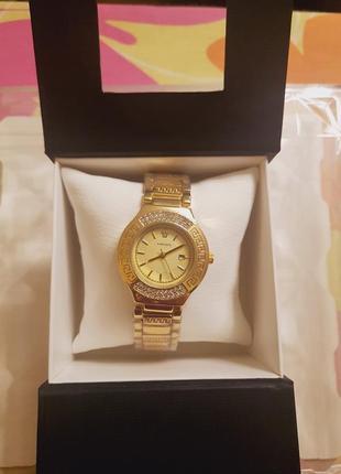Часы стильные женские