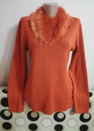 Стильный свитерок оранжевого цвета с шерстью р.38 италия