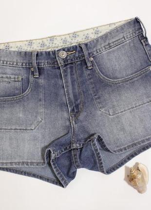 Короткие джинсовые шорты посадка средняя от h&m размер s/36/8.