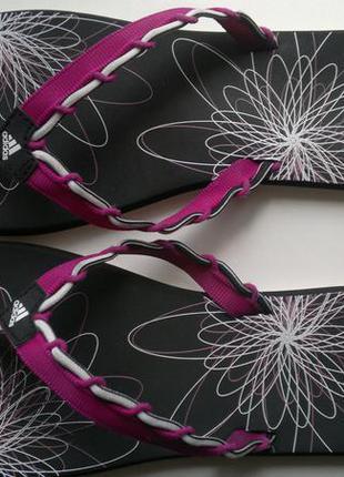 Шлепанцы ,яркие сланцы пляжные,в бассейн adidas