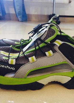 Летние кроссовки, босоножки quechua