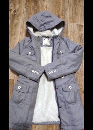Курточка на девочку 8-10 лет зима, холодная осень