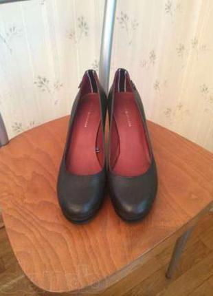 Удобные офисные туфли tommy hilfiger