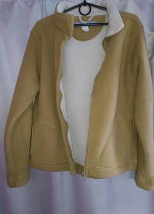 Флисовайя куртка с утиплением