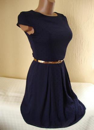 Мила сукня в мілкий горошок .фірми f&f