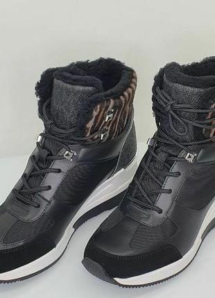 Чоботи, черевики, кросівки, оригінал.