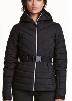 Черная стеганая демисезонная куртка h&m