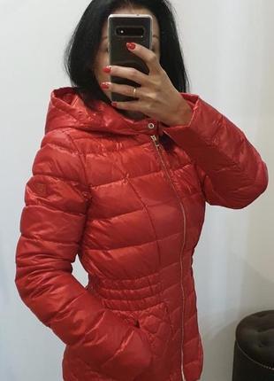 Куртка з капюшоном пуховик