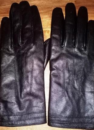 Кожаные перчатки tu