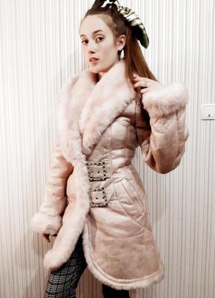 Невероятной красоты, тёплая, зимняя, розовая шуба из искусственного меха и кожи