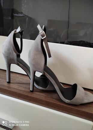 Босоножки на каблуке туфли на шпильке new look
