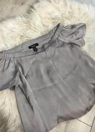 Шёлковая блуза на плечи new look