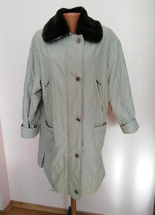 Бежевая демисезонная курточка /44/brend norma