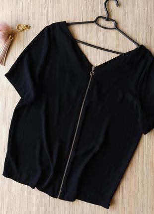 Стильная шифоновая блуза с замочком по всей спинке