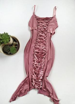 Эффектное миди платье со шнуровкой асимметричное на бретелях с напылением от desire