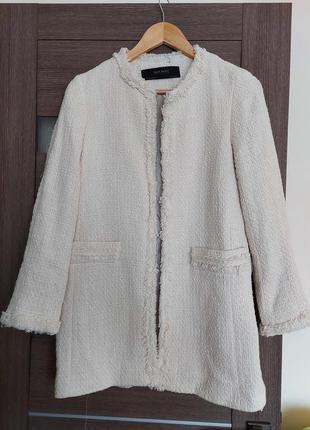 Удлинённый  пиджак буклированный  zara, xs-s