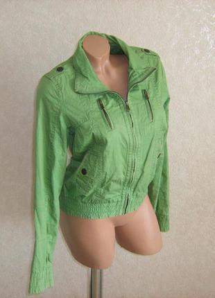 Куртка ветровка зелена фирменная bershka, размер 44