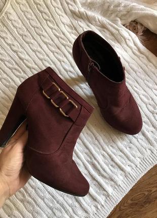 Замшевые ботиночки на устойчивом каблуке(37р)