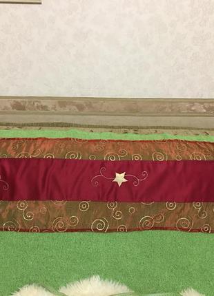 Нарядная скатерть-дорожка на праздничный стол. размер 138*40см.