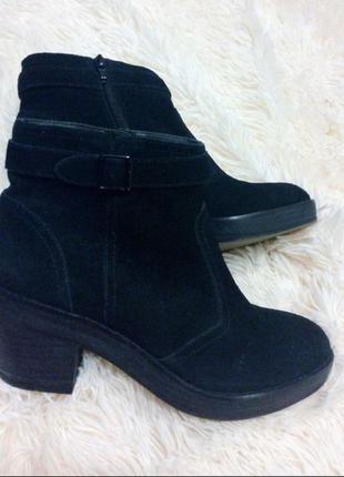 Ботильоны ботинки замшевые натуральные черные тренд topshop каблук средний