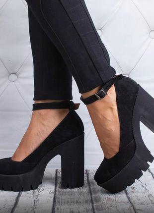 b7a458dffafe Черные замшевые кожаные женские туфли на высоком каблуке и тракторной  подошве рр 36-401 ...