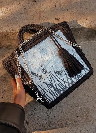 Вязаная сумка на каркасе.