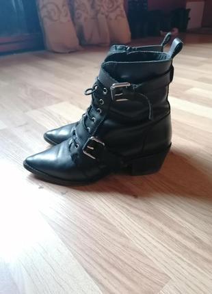 Оригинальные ботинки ботильоны asos со шнуровкой и пряжками