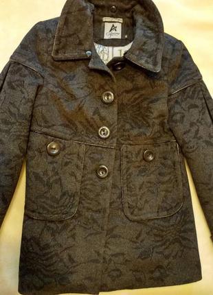 Теплое пальто серо-черное, размер s