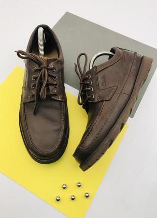 Легкие кожаные туфли clarks