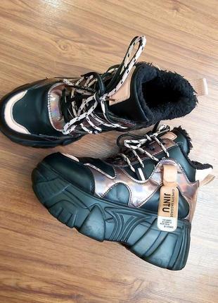 Утепленные деми ботинки