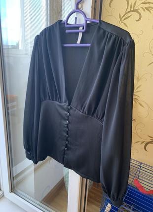 Стильная и красивая блуза