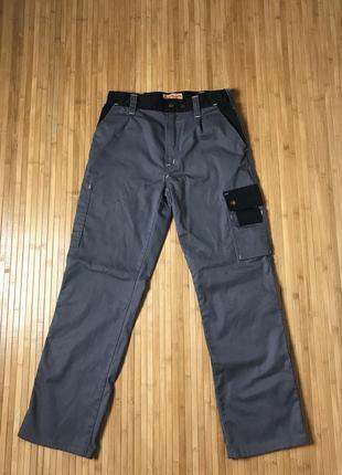 Рабочие штаны на заклёпках