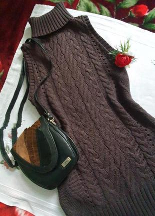 Крутезна в'язана сукня тренд сезону вязаное платье міді