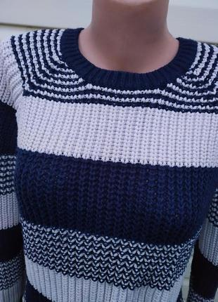 Зимний свитер женский