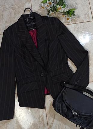Красивый брендовый черный пиджак жакет next