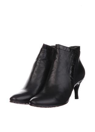 Черные кожаные ботильоны ботинки bootqueen на среднем каблуке осень весна