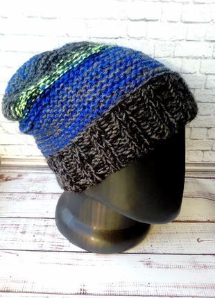 Супер шапка-бини удлинённая  яркая с отворотом в полоску. ручная работа.