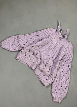 Лавандовый свитер с объёмными рукавами