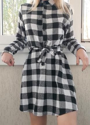 Теплое платье-рубашка в клетку
