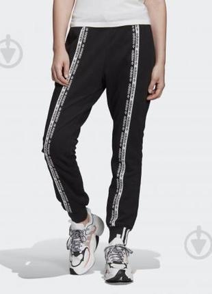 Спортивные штаны adidas с лампасами