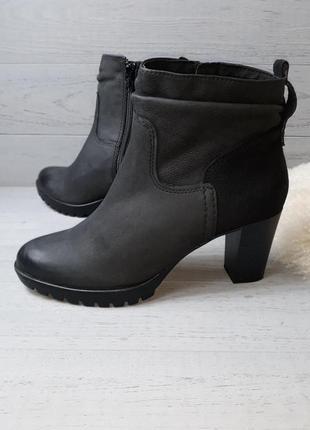 Фірмовві черевички roberto santi