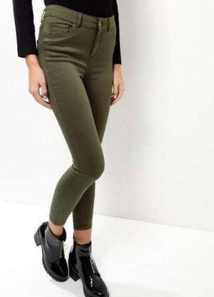 Стильные женские джинсы скини