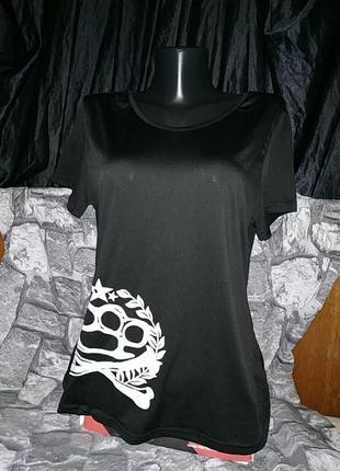 Крутая футболка с кастетом и скелетом fancyqube
