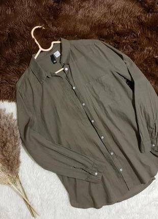 Актуальная рубашка divided хаки