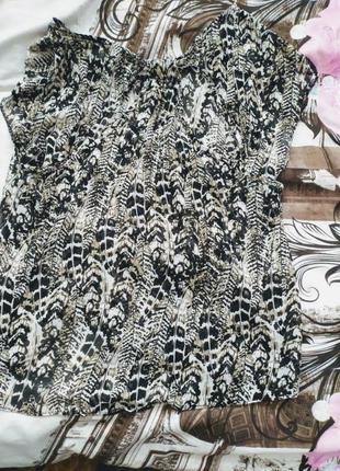 Лёгкая блуза интересный принт на лопатках открыто распродажа