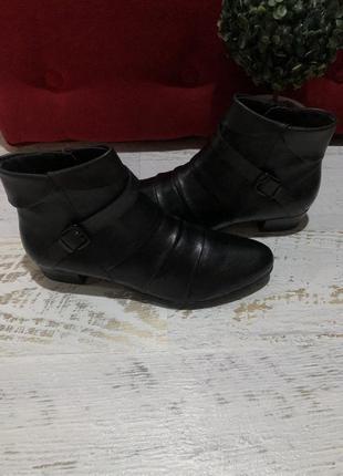 Новые натуральные фирменные ботинки 37,41р.
