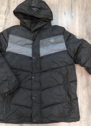 Зимняя куртка reebok  р l    хl      оригинал