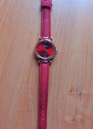 Часы женские. годинник жіночий.
