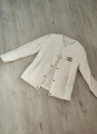 Женская курточка, ветровка женскся, белая осенняя весення размер 42 44 s m