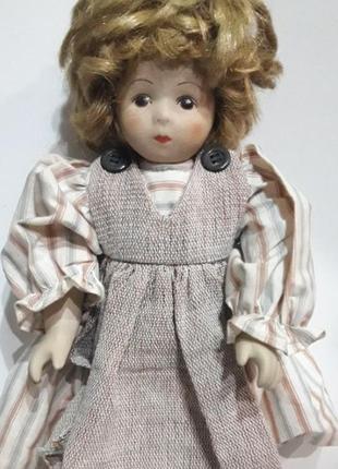 Керамическая винтажная кукла из германии.